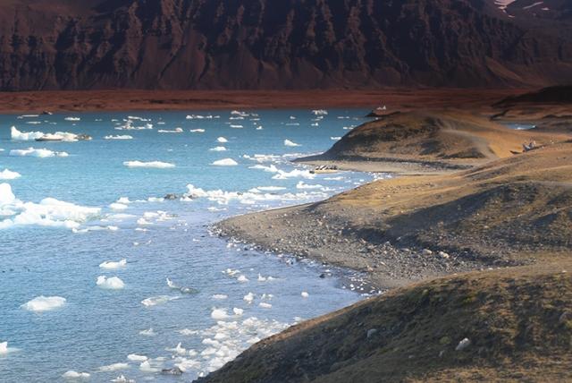 Lac glaciaire Jokulsarlon (Islande).