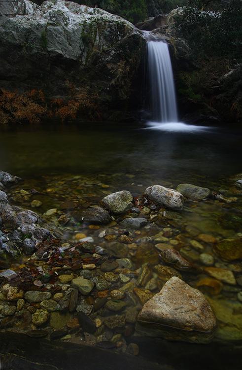 Chute d'eau Gorges de Lavall, (Pyrénées-Orientales).